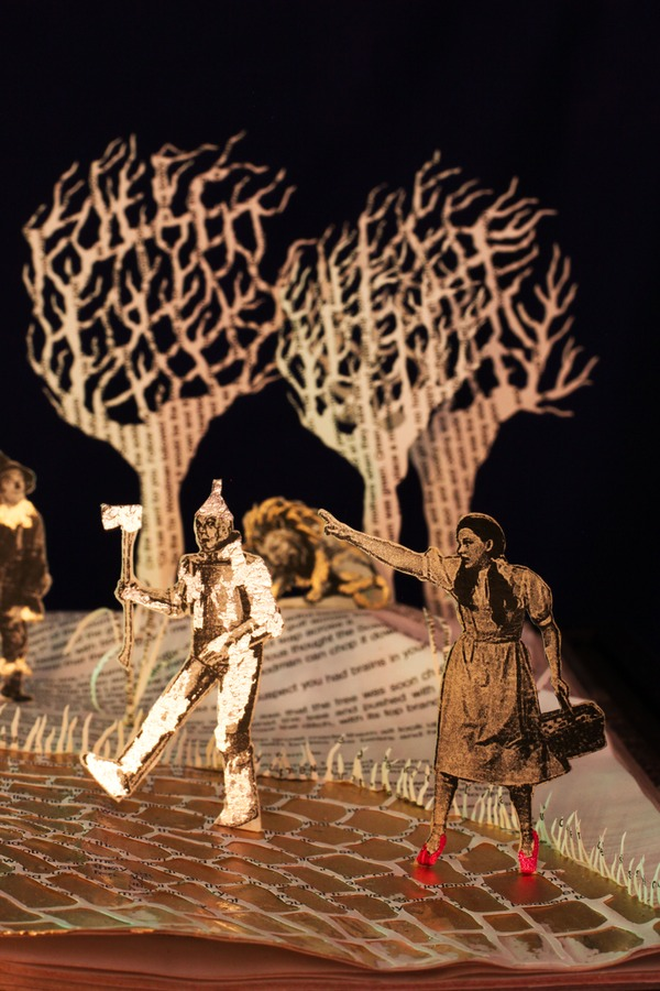 wizard of oz book sculpture 2 web